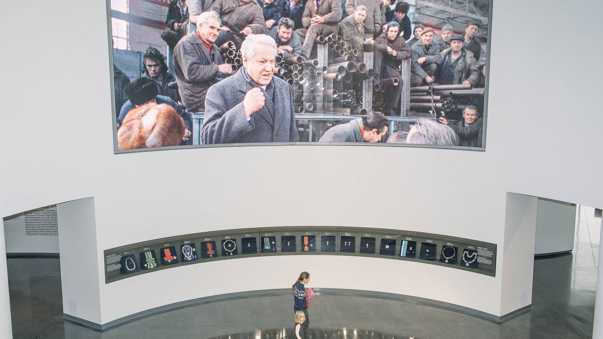 A Sparkling Shrine to a Reviled Russian Leader